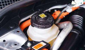 Thay dầu phanh xe hơi
