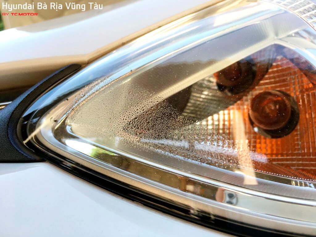 Nguyên nhân và cách khắc phục đèn xe bị hấp hơi nước